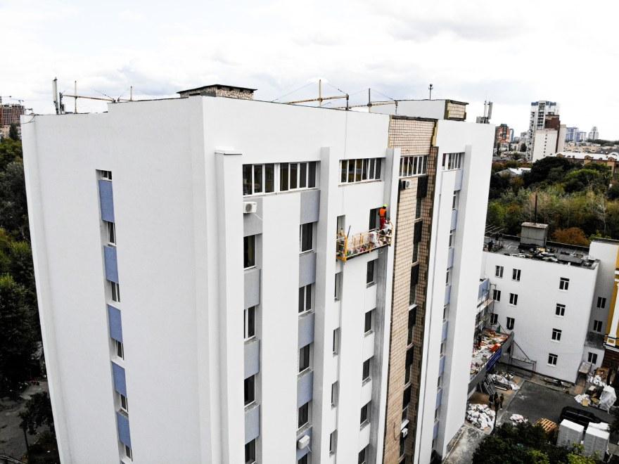 фото отделка фасада административного здания